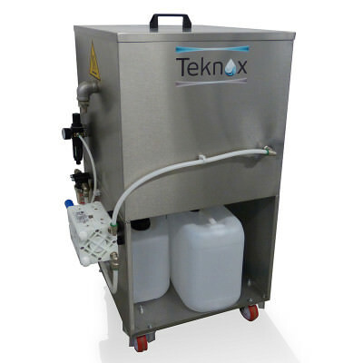 The TEKNOX-manufactured oil separator is able to separate non-emulsifying oils in the washing tank.