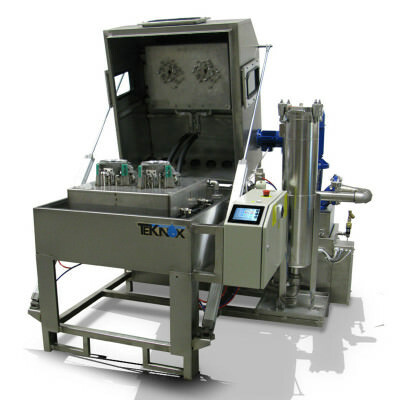 Roboclean parts washers are particularly designed machines for robotic isles, the parts washer external structure shows the typical spraying features and a rotating baske.